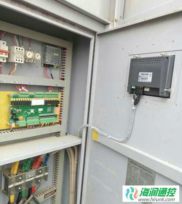 海润通控风冷螺杆机控制器安装